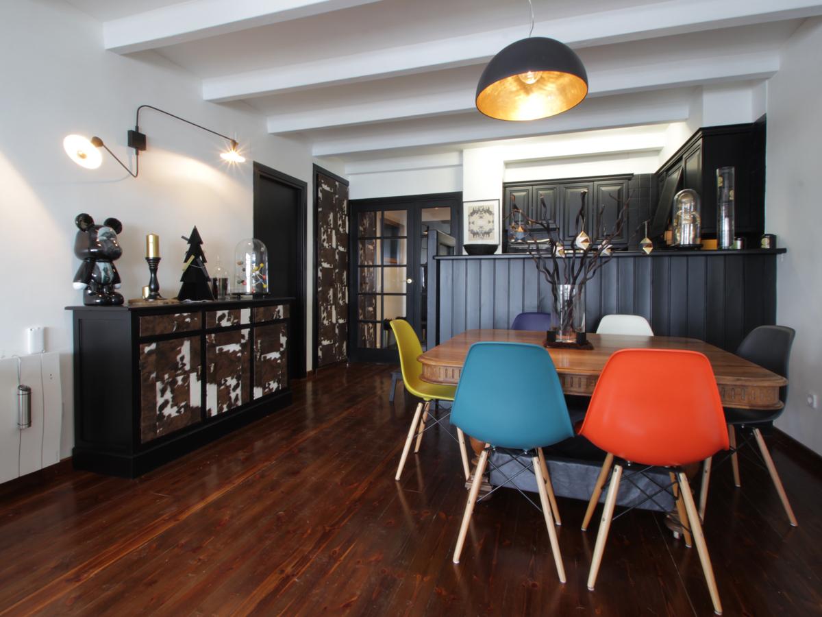 relooking meuble vintage peau de vache malo design. Black Bedroom Furniture Sets. Home Design Ideas