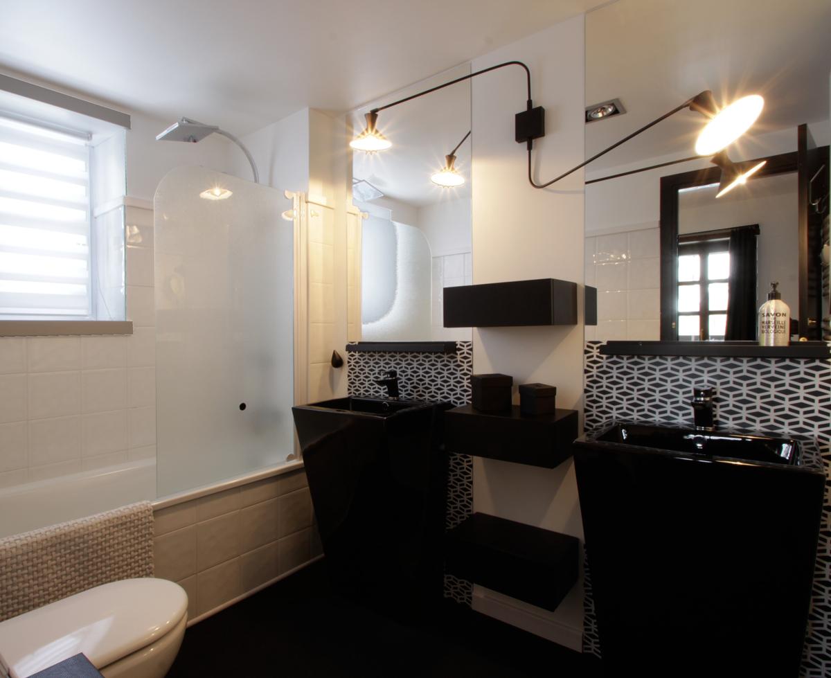 Sur mesure cr dence salle de bain malo design for Credence sur mesure