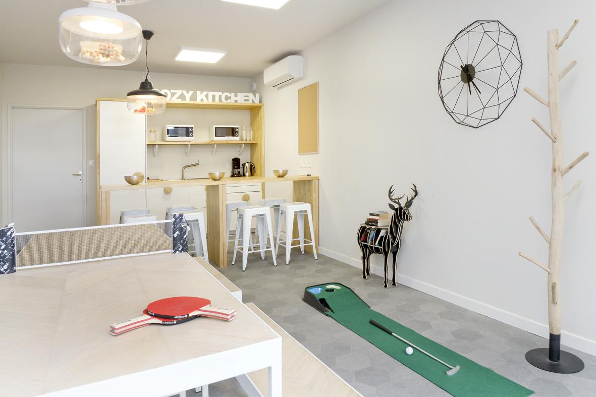 refectoire ou salle de jeux malo design. Black Bedroom Furniture Sets. Home Design Ideas
